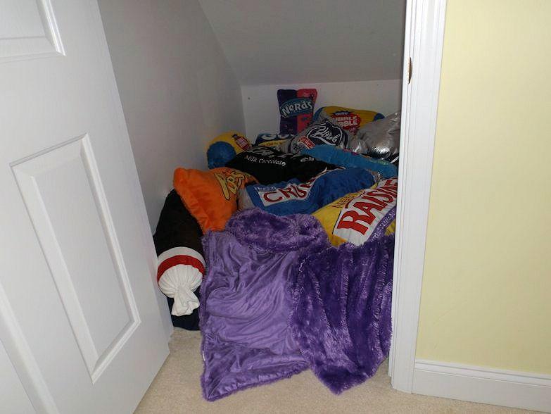 14_Kid's Hideout Closet_Julie Murphy