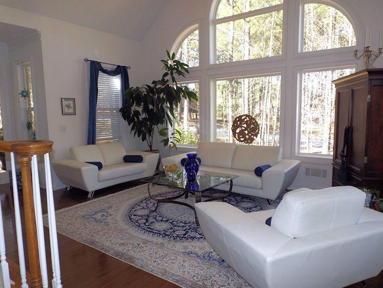 3_Living Room_Julie Murphy